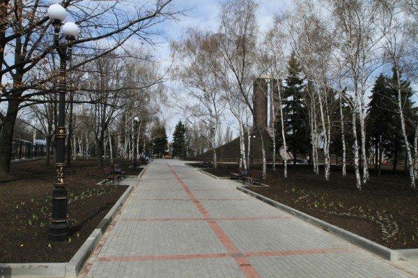В Донецке продолжается реконструкция парка Металлургов (фото), фото-3