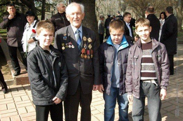 В годовщину освобождения Симферополя от фашистов погода подготовила ветеранам сюрприз (фото), фото-5