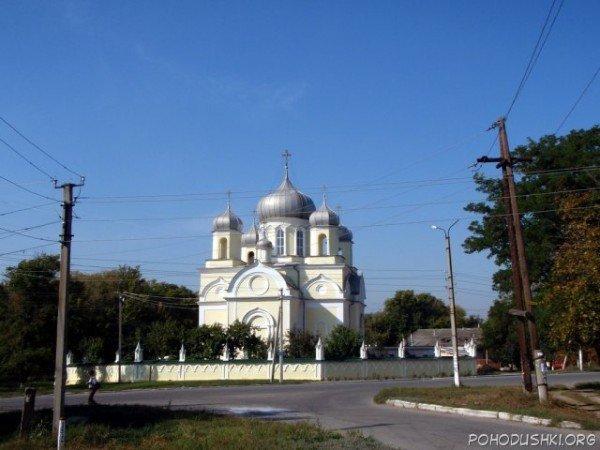 Мэр Александровска Николай Греков приглашает луганчан в Свято-Вознесенский храм, фото-1