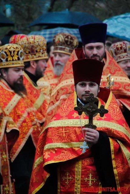 На Великдень православні пішли хресним ходом вулицями Вінниці (ФОТО), фото-10