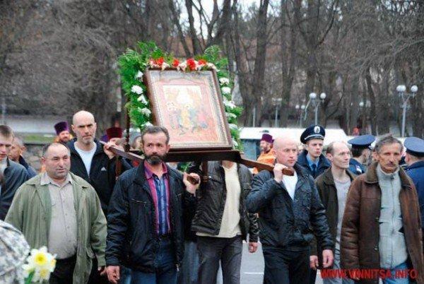 На Великдень православні пішли хресним ходом вулицями Вінниці (ФОТО), фото-7