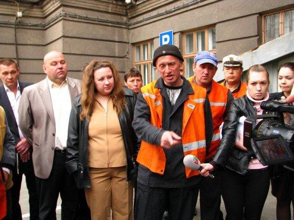 Запорожский мэр совещался с дворниками по поводу новых урн (ФОТО), фото-5
