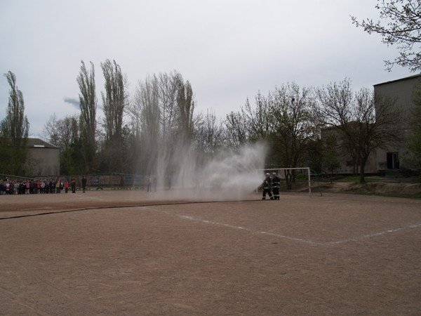 Симферопольскую школу эвакуировали дважды за день (фото), фото-2