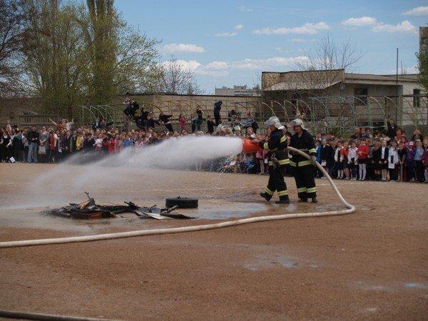 Симферопольскую школу эвакуировали дважды за день (фото), фото-3