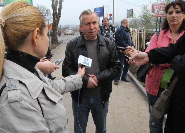Как в Донецке губернатор, мэр и председатель облсовета садили деревья (фото), фото-1