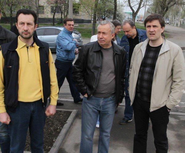 Как в Донецке губернатор, мэр и председатель облсовета садили деревья (фото), фото-3
