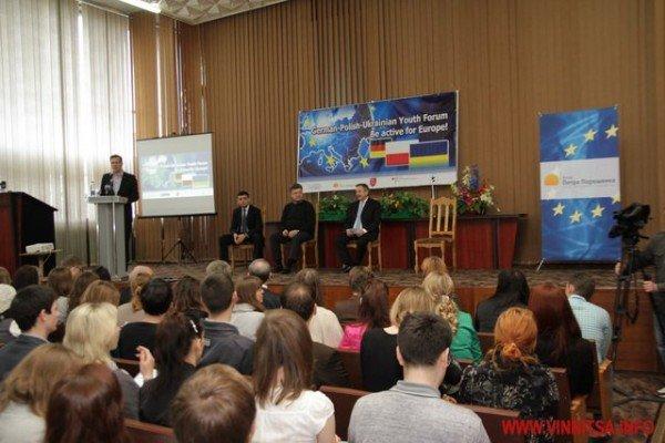 Молодь і політики влаштували у Вінниці відверте спілкування по-англійські (ФОТО), фото-11
