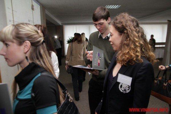 Молодь і політики влаштували у Вінниці відверте спілкування по-англійські (ФОТО), фото-3