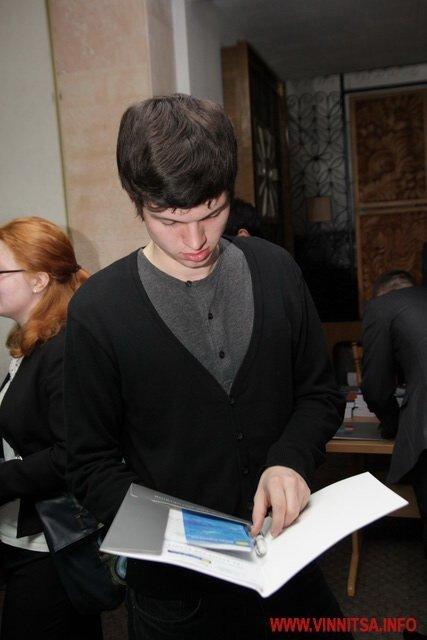 Молодь і політики влаштували у Вінниці відверте спілкування по-англійські (ФОТО), фото-4