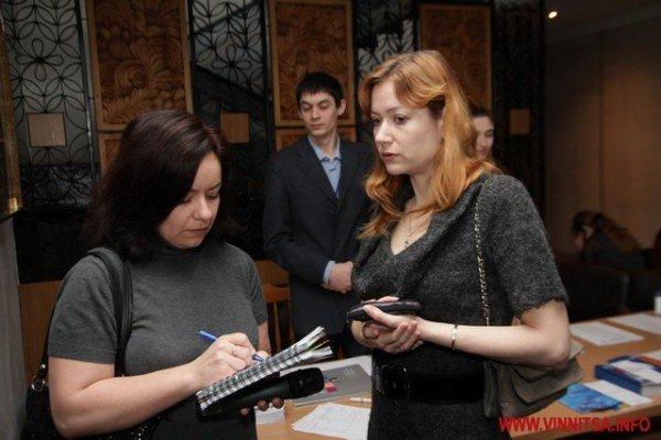 Молодь і політики влаштували у Вінниці відверте спілкування по-англійські (ФОТО), фото-5
