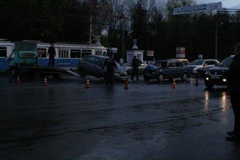 У Вінниці біля «Урожаю» зіткнулися «шістка» та «Лада Калина» (ФОТО, ВІДЕО), фото-4