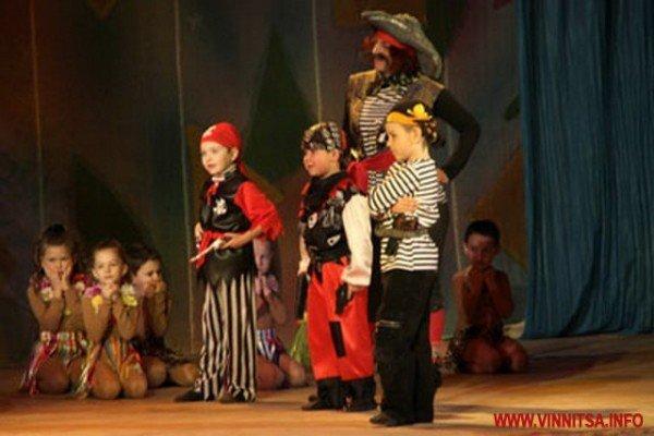 Вінницькі дошкільнята боролись за звання найкращих дизайнерів, танцюристів і співаків (ФОТО), фото-5