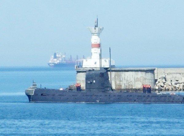 В Крыму впервые за 20 лет единственная подводная лодка Украины вышла в море (фото), фото-1