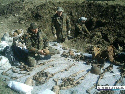 Керчане ищут родственников 21 бойца ВОВ, чьи останки обнаружены во время раскопок (фото), фото-2