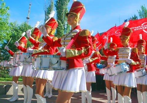 На маевке в Луганске вспомнили «голубых», «мародеров» и дешевую колбасу (ФОТО), фото-5