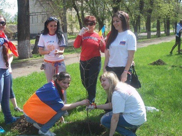 Национальные общины Кривого Рога создали Аллею Дружбы (ФОТО), фото-5
