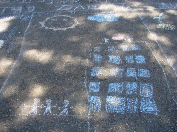 В Артемовске дети украсили парк антивоенными рисунками, фото-8
