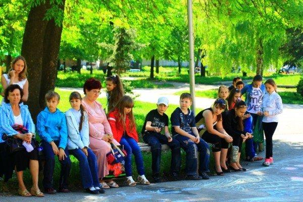 В Артемовске дети украсили парк антивоенными рисунками, фото-6