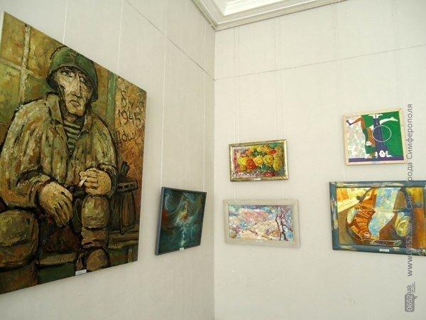 В Симферополе открылась выставка, посвященная Дню Победы (ФОТО), фото-3