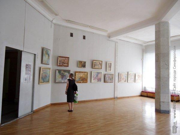 В Симферополе открылась семейная выставка живописи (ФОТО), фото-6
