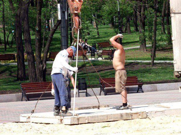 В центре Донецка обустраивают зону гостеприимства для гостей Евро-2012 (фото), фото-2