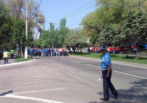 В Донецке милиция тайно от СМИ «разгоняла» бушующих фанов (фото), фото-1