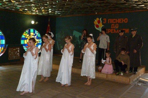 В криворожском Клубе Юных Моряков прошел День солдатской песни (ФОТО), фото-10