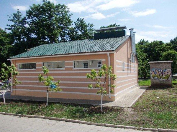 Открытие общественного туалета в Артемовске под вопросом: до сих пор не определись с ценой и обнаружили строительные недочеты, фото-2
