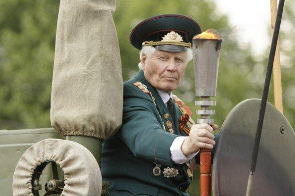 В Кривом Роге зажгли факелы и почтили память погибших солдат (ФОТО), фото-11