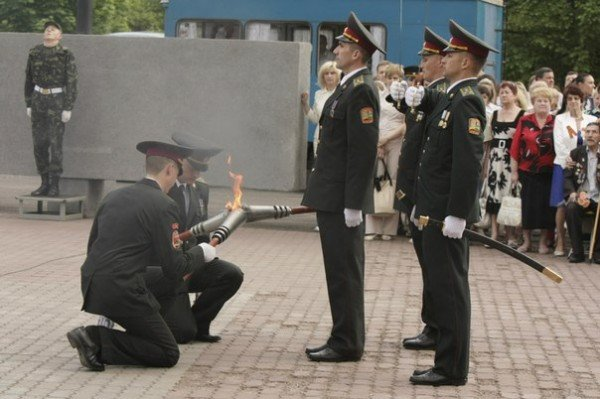 В Кривом Роге зажгли факелы и почтили память погибших солдат (ФОТО), фото-4