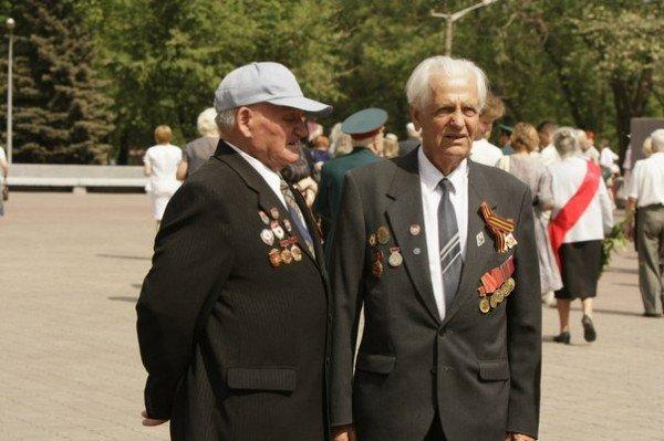 В Кривом Роге зажгли факелы и почтили память погибших солдат (ФОТО), фото-12