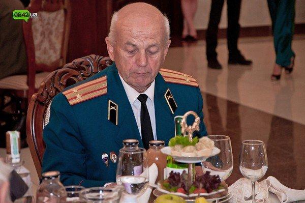 В Луганске для ветеранов организовали праздничный обед (ФОТО), фото-7