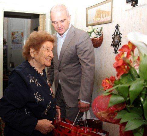 В Симферополе с Днем Победы поздравили 90-летнюю судью в отставке (ФОТО), фото-1