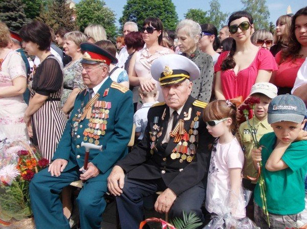Артемовцы почтили память тех, кто отдал жизнь за Победу (ВИДЕО+ФОТОРЕПОРТАЖ), фото-1