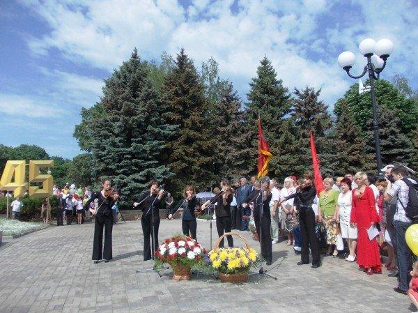 Артемовцы почтили память тех, кто отдал жизнь за Победу (ВИДЕО+ФОТОРЕПОРТАЖ), фото-9