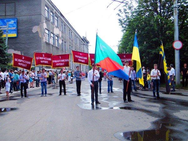 В честь Дня Победы по главной улице Горловки прошла тяжелая бронетехника, фото-8