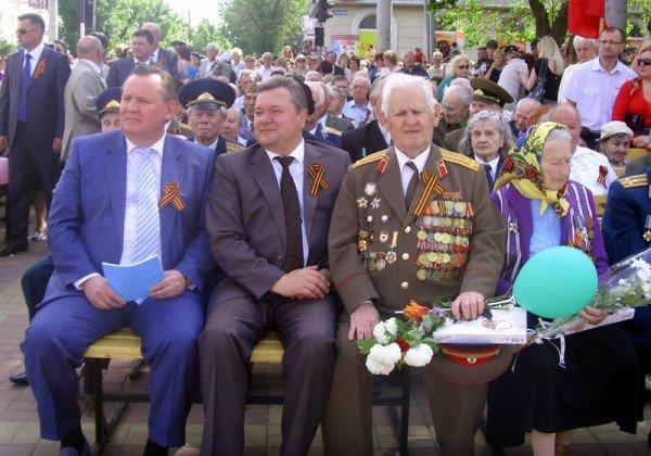 День Победы в Луганске прошел под голубыми и красными знаменами (ФОТО), фото-6