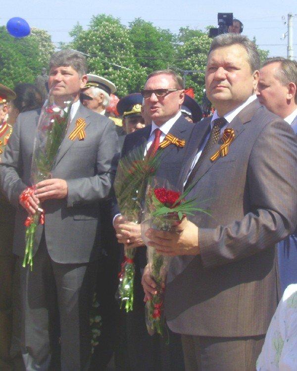 День Победы в Луганске прошел под голубыми и красными знаменами (ФОТО), фото-11