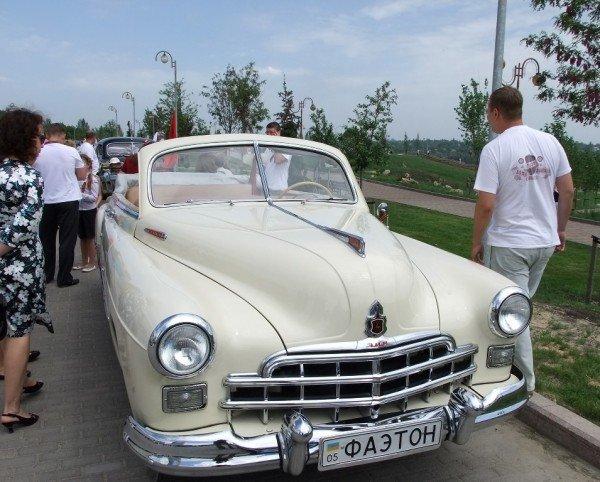 В Донецке прошла выставка ретро-автомобилей  (фото), фото-6
