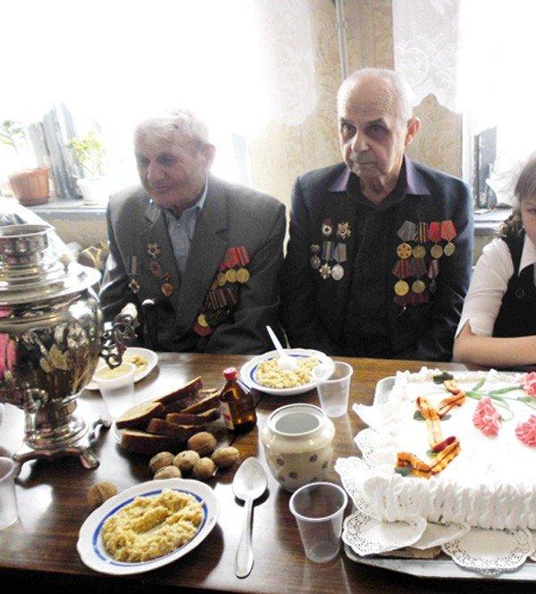 День Победы в Зайцево: военные песни, солдатская каша и торт «Победа», фото-1