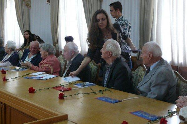 В Ялте накануне Дня Победы чествовали ветеранов, фото-7