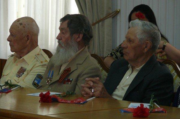 В Ялте накануне Дня Победы чествовали ветеранов, фото-9