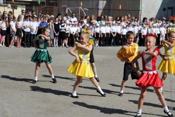 Фоторепортаж: Выпускники Симферополя празднуют окончание школы, фото-5