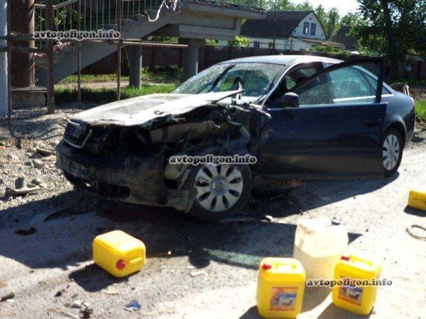 На Житомирской трассе Ауди врезался в ГАЗель и дорожных рабочих – пострадали два человека (ФОТО), фото-10