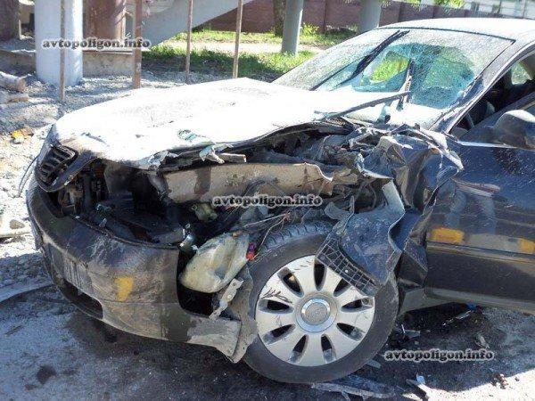 На Житомирской трассе Ауди врезался в ГАЗель и дорожных рабочих – пострадали два человека (ФОТО), фото-11