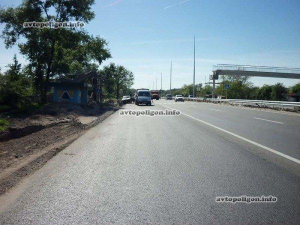 На Житомирской трассе Ауди врезался в ГАЗель и дорожных рабочих – пострадали два человека (ФОТО), фото-2