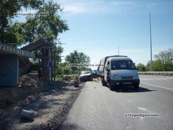 На Житомирской трассе Ауди врезался в ГАЗель и дорожных рабочих – пострадали два человека (ФОТО), фото-5