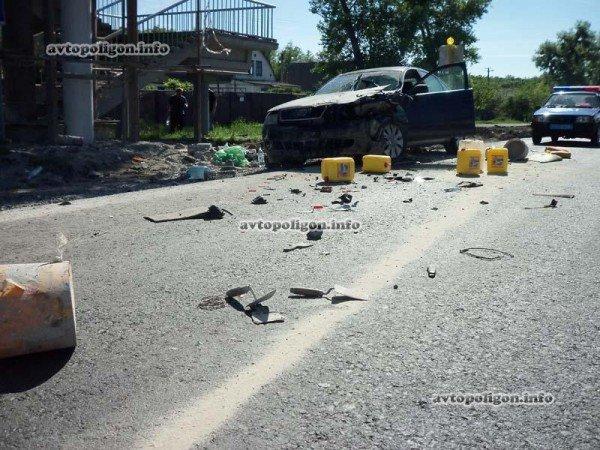На Житомирской трассе Ауди врезался в ГАЗель и дорожных рабочих – пострадали два человека (ФОТО), фото-9
