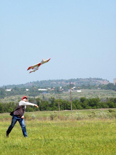 Чудеса на виражах: в Горловке прошли Областные соревнования по авиамоделированию, фото-2