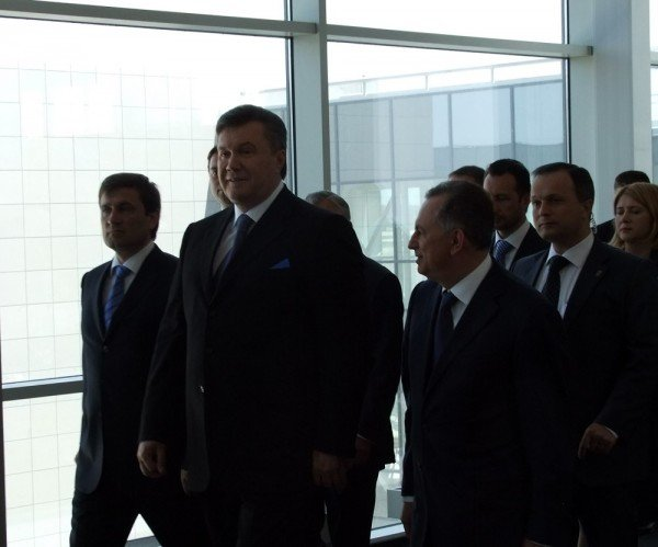 Янукович открыл новый донецкий аэропорт (фото), фото-5